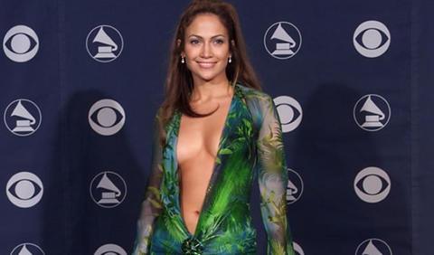 Jennifer-Lopez-en-una-de-las-entregas-del-premio._480_311