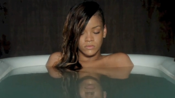 Rihanna-Stay-ft.-Mikky-Ekko-Video