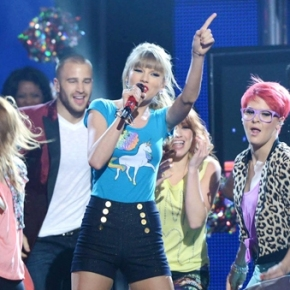 Taylor Swift arrasa en los Billboard 2013
