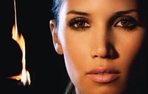 India Martínez pone a la venta su disco 'Camino de la buenasuerte'