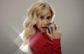 """Marta Sánchez estrena el video de """"Y,¿si fuera ella"""", el primer sencillo del álbum homenaje a AlejandroSanz"""