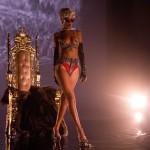 Rihanna Pour it up (1)