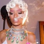 Rihanna Pour it up (4)