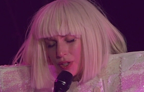 Lady Gaga presenta en una gran fiesta los temas de 'ArtPop'